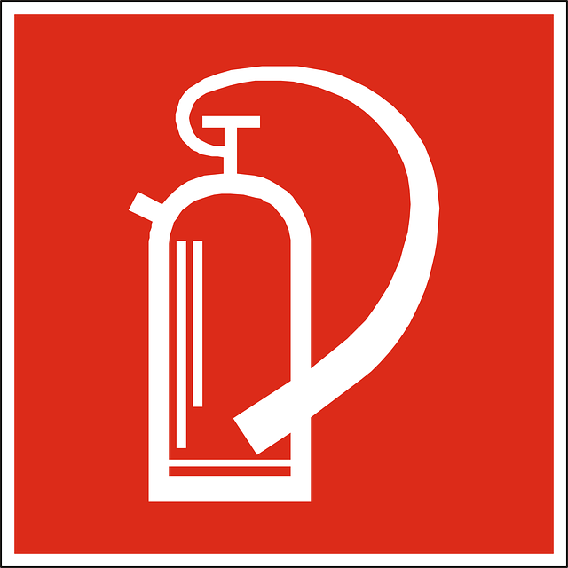 fire-extinguisher-98593_640
